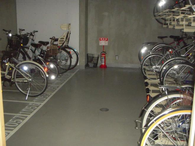 there is bicycle parking!